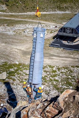 Héliportage / Assemblage de précision avec hélicoptère Kamov KA32 Haute-Savoie FRANCE
