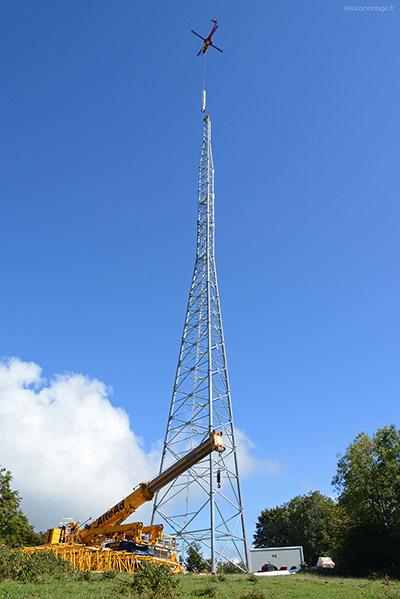 Héliportage - hélitreuillage - Montage pylone de télécomunication dans le Jura