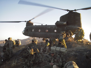 Chinook helicopter afganistan