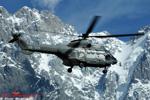 Super Puma AS 332 C1 HB-ZKN avec en arrière plan le massif du Mont-Blanc