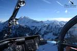 Cockpit Alouette II et les montagnes de la Haute-Savoie