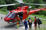 Ecureuil AS350 B3 HB-ZIG préparatif pour le larguage