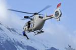 Treuillage d'un CRS hélicoptère EC135 F-GMON