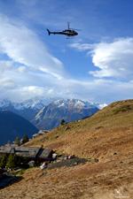 AS350 B3 HB-ZES Eagle Helicopter Valais au-dessus de Verbier - Valais