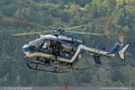 EC 145 F-MJBC avec son mécano à la porte pour aidé le pilote au posé