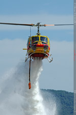Largage du Bell 205 Morane 01