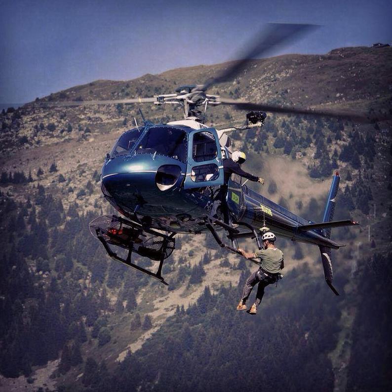 AS350 MBH en secours en Savoie Méribel