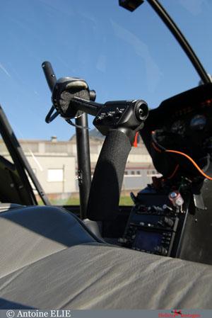 Vue de l'intérieur du R44