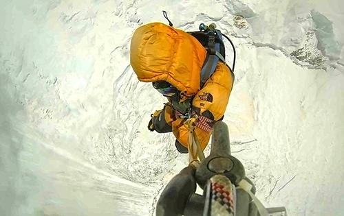 hélicoptère Italien Everest human cargo